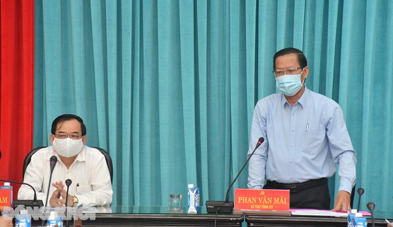 Bí thư Tỉnh ủy Phan Văn Mãi phát biểu chỉ đạo.
