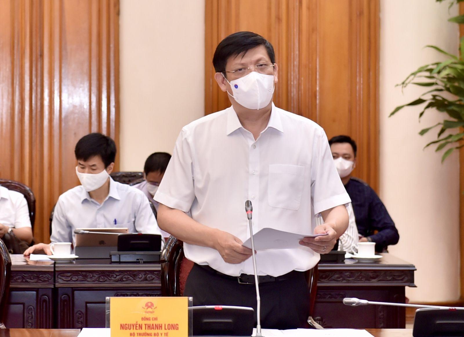 Bộ trưởng Y tế Nguyễn Thanh Long nêu các nhiệm vụ cấp bách trong thời gian tới và các kiến nghị, đề xuất với Chính phủ, Thủ tướng Chính phủ. Ảnh VGP/Nhật Bắc