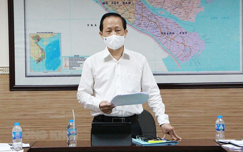 Phó chủ tịch Thường trực UBND tỉnh Nguyễn Trúc Sơn phát biểu kết luận cuộc họp.