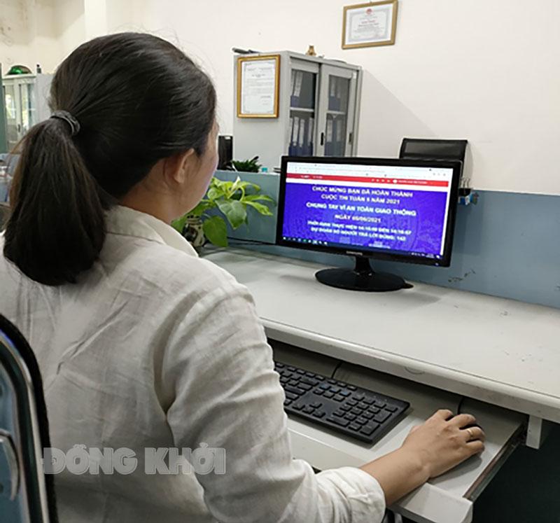 Cán bộ, công nhân viên Công ty Điện lực Bến Tre tham gia cuộc thi.