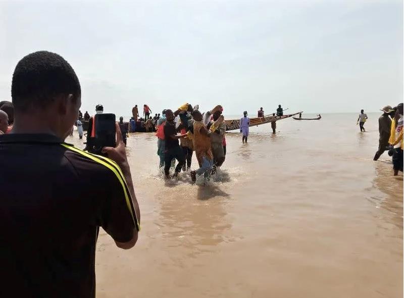 Vụ chìm thuyền ở Nigeria khiến hơn 70 người thiệt mạng. Ảnh: in.news.yahoo.com