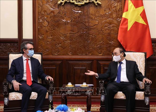 Chủ tịch nước Nguyễn Xuân Phúc tiếp ông Giorgio Aliberti, Đại sứ Liên minh Châu Âu (EU) tại Việt Nam. Ảnh TTXVN