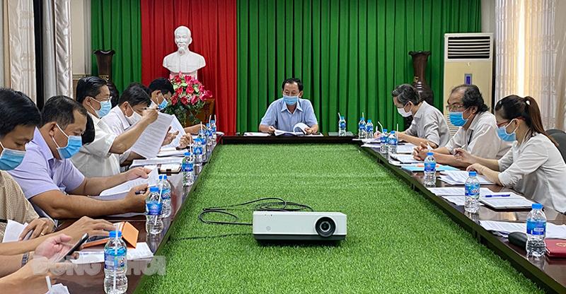 Phó chủ tịch UBND tỉnh chủ trì cuộc họp.