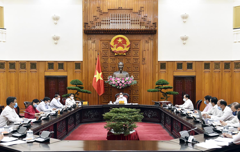 Thủ tướng nhấn mạnh yêu cầu đổi mới tư duy mạnh mẽ, coi truyền thống văn hóa -  lịch sử là một nguồn lực, đầu tư cho văn hóa là đầu tư cho phát triển. Ảnh: VGP/Nhật Bắc