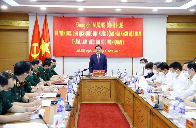Chủ tịch Quốc hội Vương Đình Huệ phát biểu tại buổi làm việc (Ảnh: Doãn Tấn)