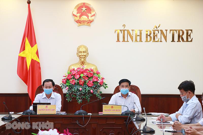 Phó chủ tịch UBND tỉnh Nguyễn Minh Cảnh chủ trì điểm cầu tỉnh.