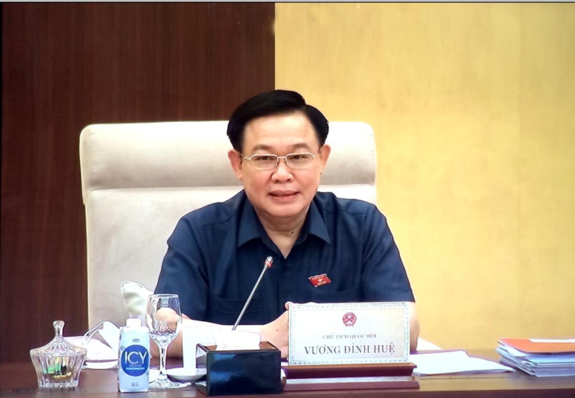 Chủ tịch Quốc hội Vương Đình Huệ chủ trì phiên họp. Ảnh: VGP/Nguyễn Hoàng