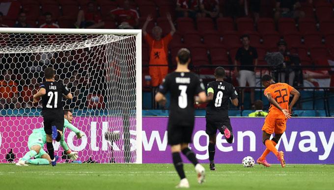 Dumfries ấn định tỷ số 2-0 trận Hà Lan vs Áo