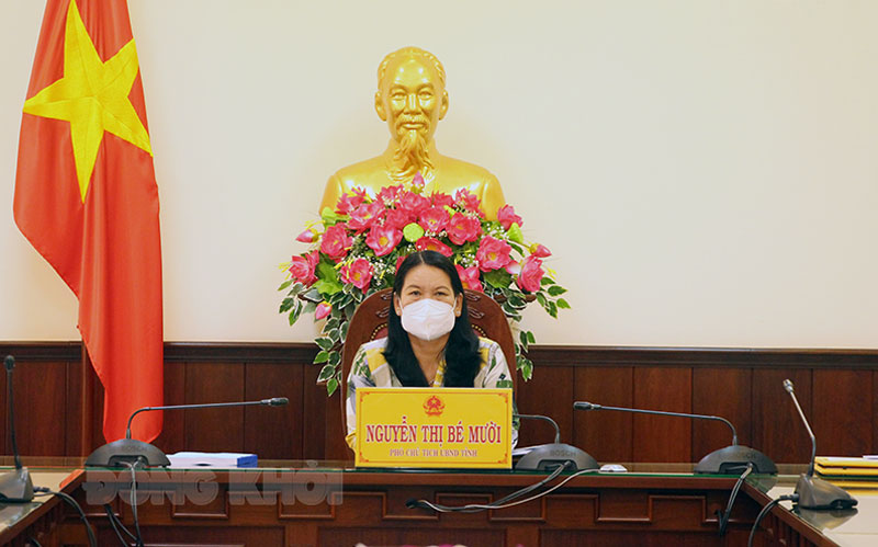 Phó chủ tịch UBND tỉnh Nguyễn Thị Bé Mười tham dự hội nghị tại điểm cầu tỉnh Bến Tre.