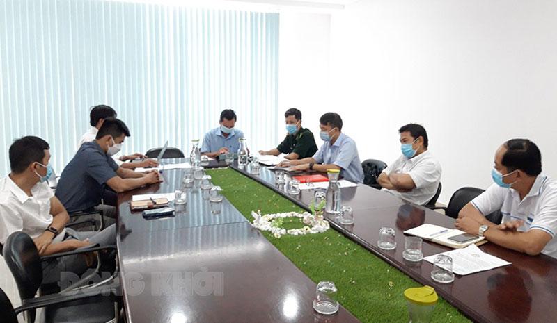 Đại biểu tham dự cuộc họp.