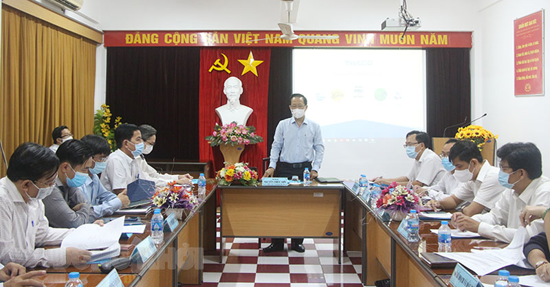 Phó chủ tịch Thường trực UBND tỉnh phát biểu tại cuộc họp.