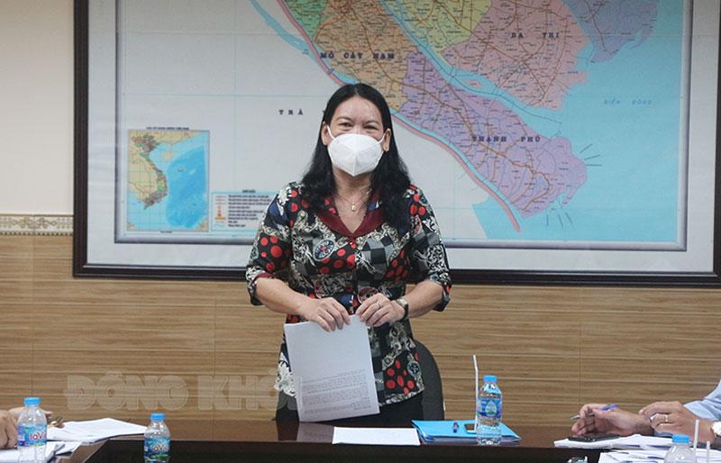 Phó chủ tịch UBND tỉnh Nguyễn Thị Bé Mười phát biểu chỉ đạo.