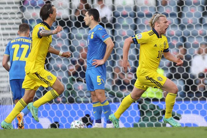Forsberg gỡ hòa 1-1 trận Thụy Điển vs Ukraine ở phút 43
