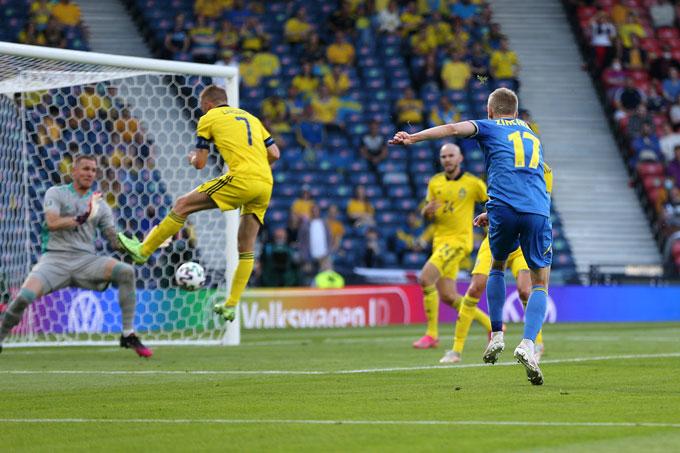 Zinchenko mở tỷ số trận Thụy Điển vs Ukraine ở phút 27