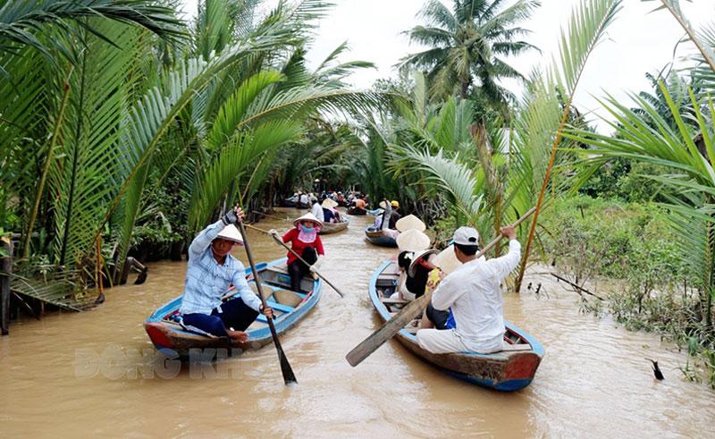 Hướng dẫn viên du lịch là đối tượng được hưởng trợ cấp theo Nghị quyết số 68/NQ-CP.