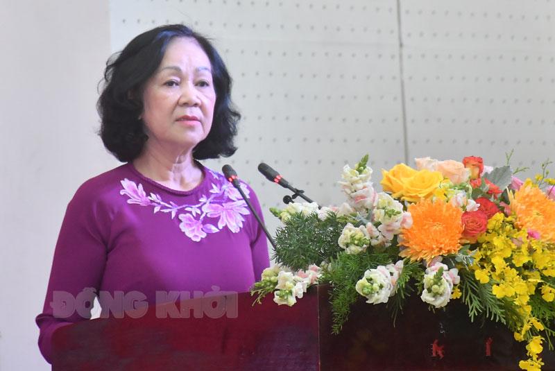 Đồng chí Trương Thị Mai phát biểu tại hội nghị.