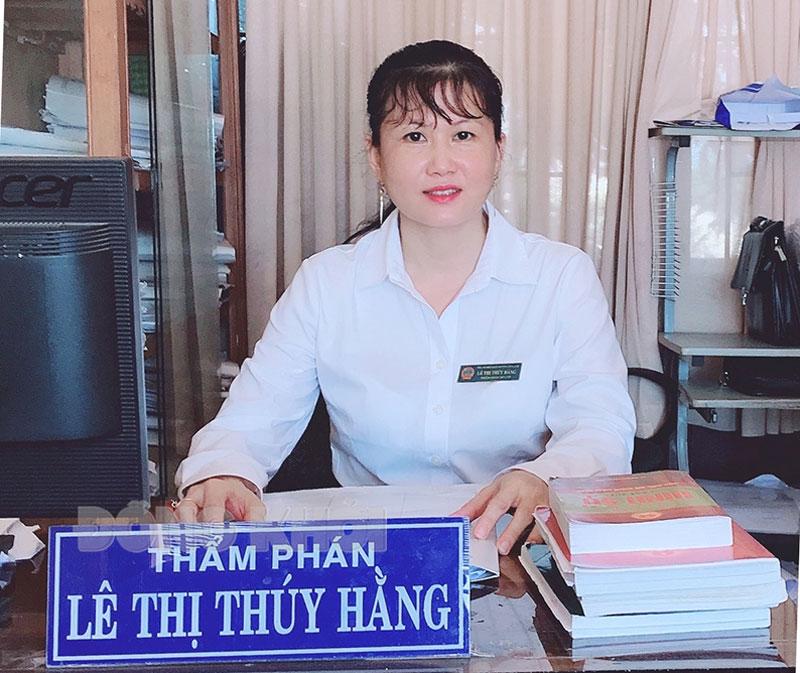 Thẩm phán Lê Thị Thúy Hằng.