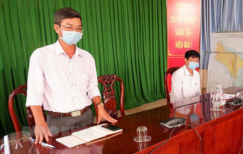 Chủ tịch UBND huyện Đào Công Thương phát biểu.