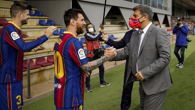 Messi chấp nhận giảm lương còn 20 triệu euro