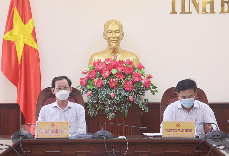 Phó chủ tịch UBND tỉnh Nguyễn Minh Cảnh tham dự hội nghị tại điểm cầu tỉnh Bến Tre.