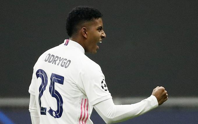 Rodrygo giúp Real Madrid vươn lên dẫn trước ngay phút thứ 8
