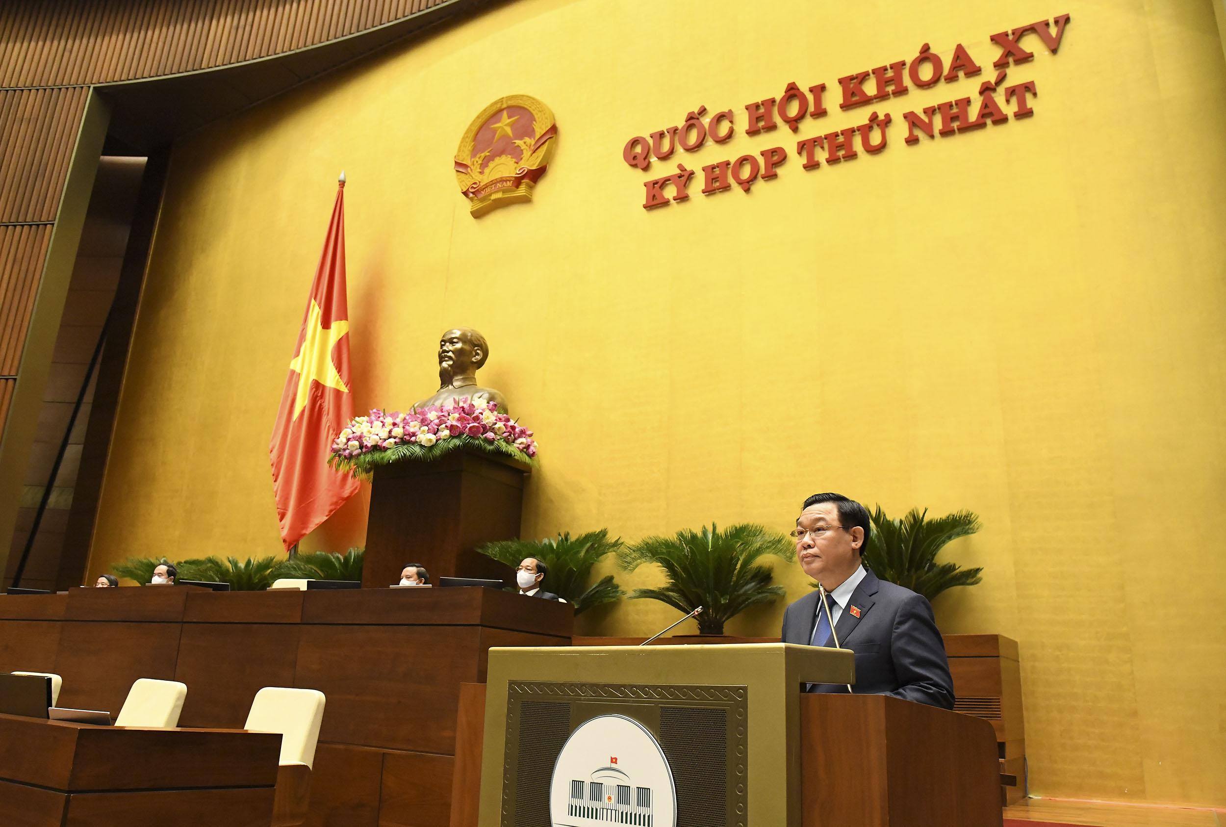 Uỷ viên Bộ Chính trị, Chủ tịch Quốc hội Vương Đình Huệ