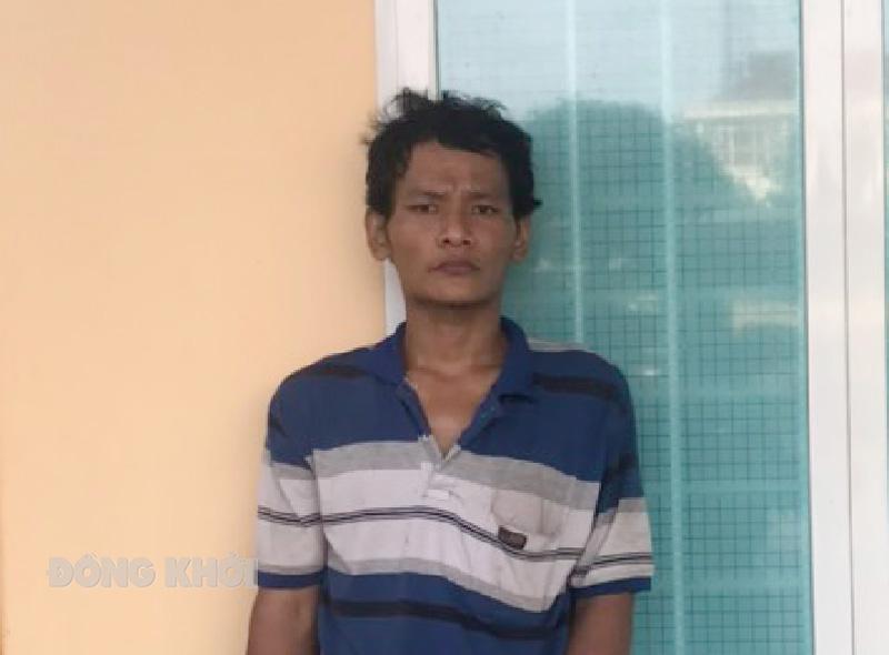 Nguyễn Minh Điền cùng tang vật. Ảnh: Trần Thắng.