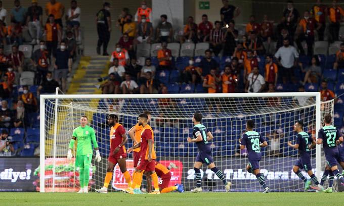 PSV đã giành chiến thắng trước Galatasaray để đi tiếp ở Champions League