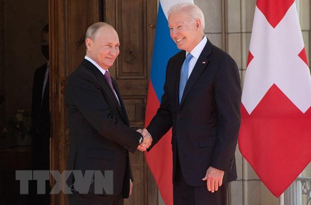 Tổng thống Mỹ Joe Biden và Tổng thống Nga Vladimir Putin trong cuộc gặp tại Geneva, Thụy Sĩ, ngày 16-6-2021. (Ảnh: AFP/TTXVN)