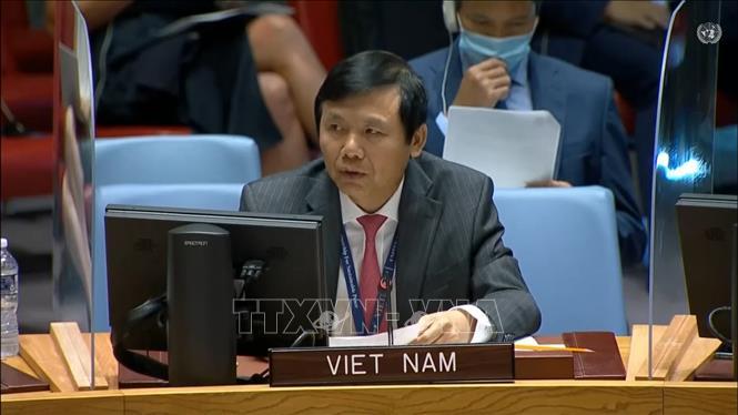 Đại sứ Đặng Đình Quý - Trưởng phái đoàn đại diện Việt Nam tại Liên hợp quốc phát biểu trong cuộc họp.Ảnh: Hữu Thanh/TTXVN