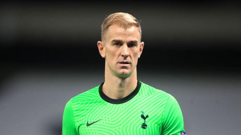 Hart có thể sang Scotland nghỉ hưu