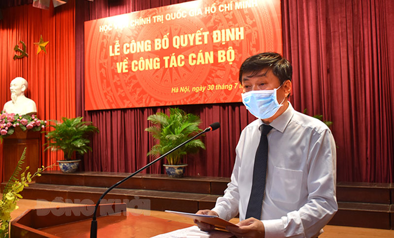 PGS,TS. Phạm Minh Sơn - Tân Giám đốc Học viện Báo chí và Tuyên truyền phát biểu nhận nhiệm vụ.