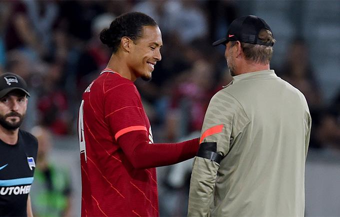 Van Dijk tái xuất nhưng không thể giúp Liverpool tránh khỏi thất bại
