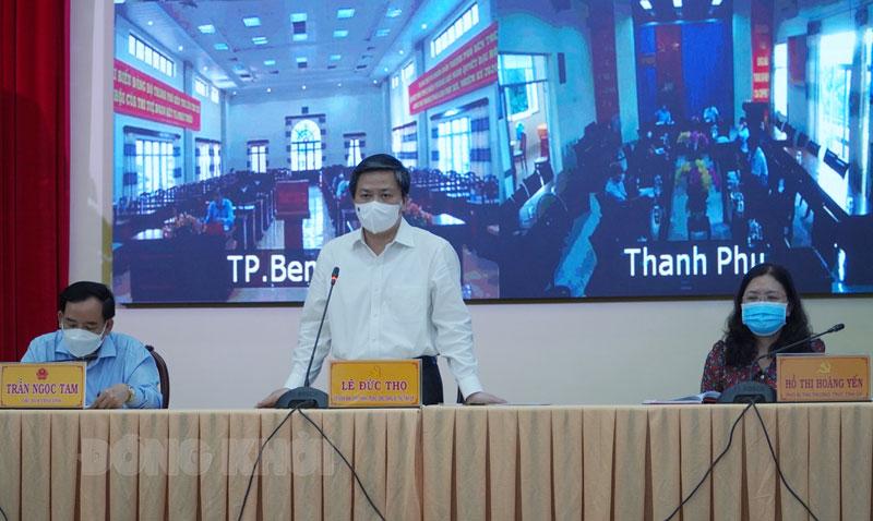 Bí thư Tỉnh ủy Lê Đức Thọ phát biểu tại cuộc họp.