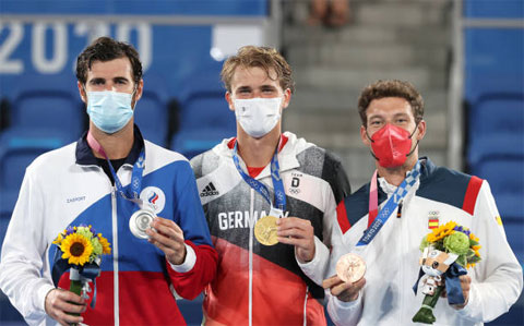 Lần lượt từ trái qua: Karen Khachanov, Alexander Zverev và Carreno Busta