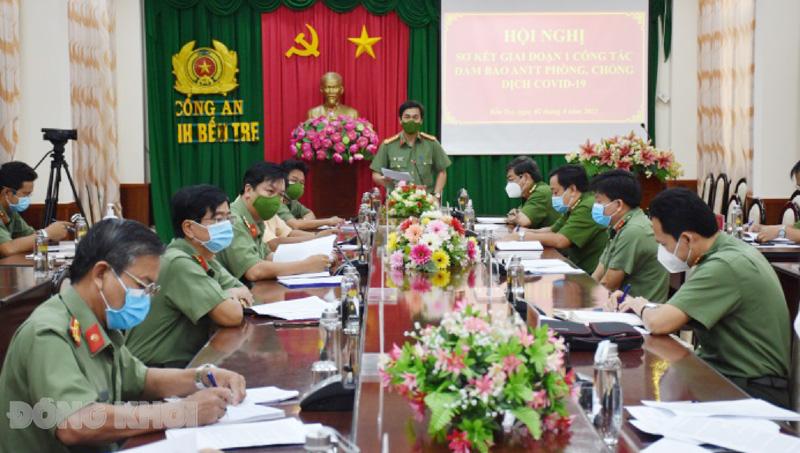 Giám đốc Công an Đại tá Võ Hùng Minh tỉnh phát biểu chỉ đạo tại hội nghị. Ảnh: Nguyễn Đăng.