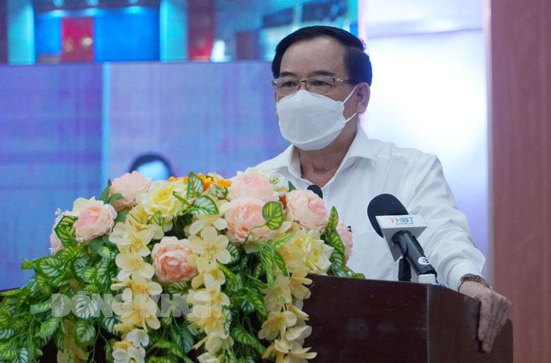 Chủ tịch UBND tỉnh Trần Ngọc Tam phát biểu kết luận tại hội nghị.