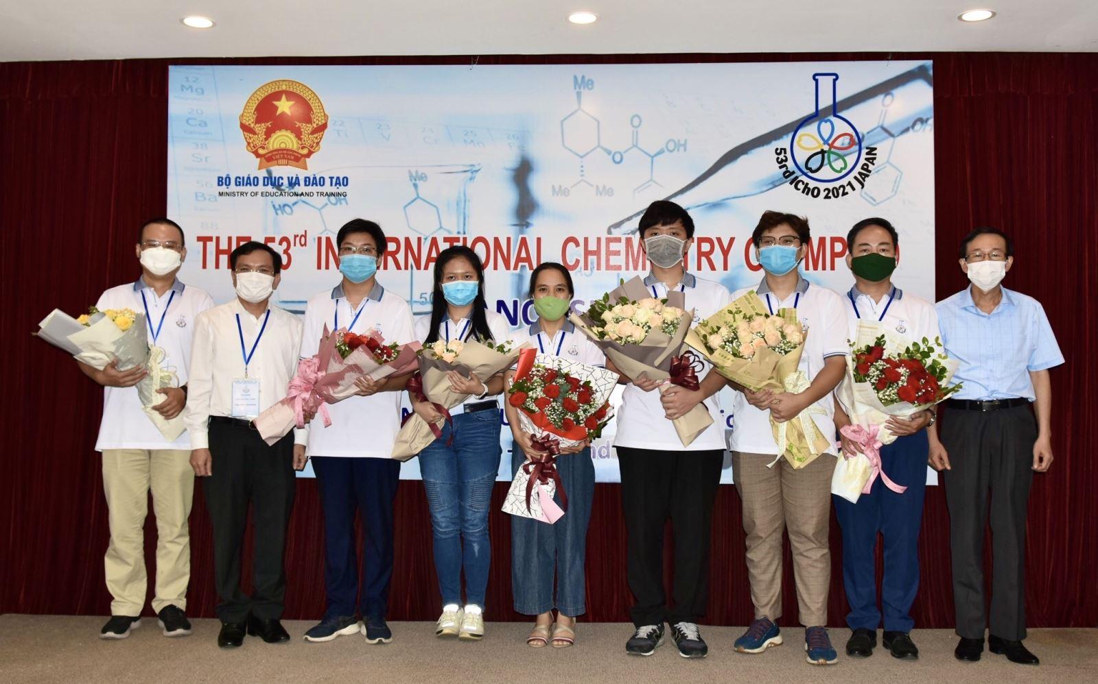 Đoàn Olympic Hoá học Việt Nam năm 2021. Ảnh: MOET
