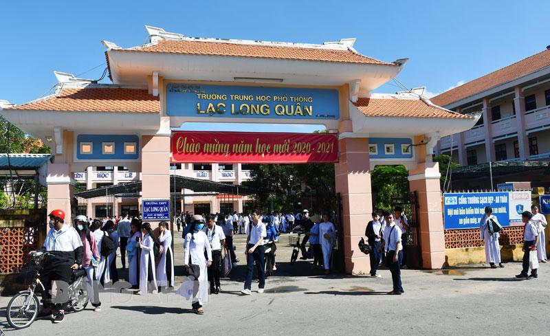 Trường THPT Lạc Long Quân trên địa bàn TP. Bến Tre. Ảnh: Hữu Hiệp