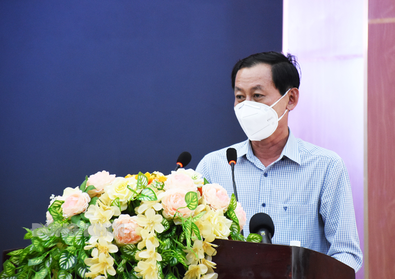 Phó chủ tịch UBND tỉnh Nguyễn Minh Cảnh phát biểu tại cuộc họp.