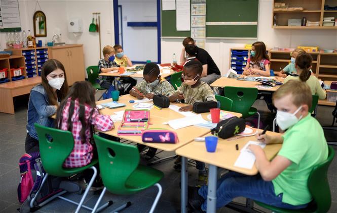 Học sinh tại một trường tiểu học ở Beckum, miền tây nước Đức, ngày 6-7-2021. Ảnh: AFP/ TTXVN
