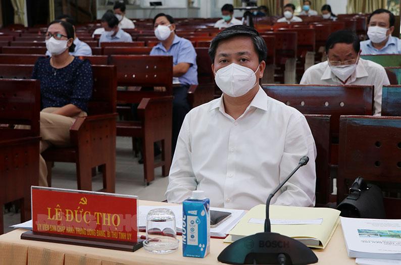 Ủy viên Trung ương Đảng - Bí thư Tỉnh ủy Lê Đức Thọ chủ trì hội nghị Ban Thường vụ Tỉnh ủy đột xuất lần 2 tháng 9-2021.