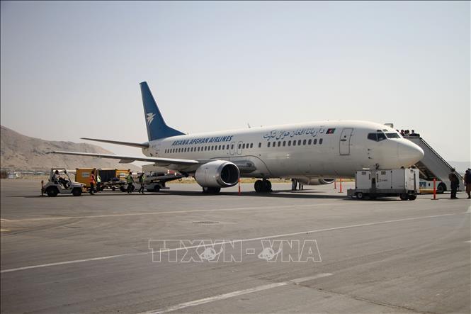 Máy bay của Hãng hàng không Ariana Afghanistan tại sân bay Kabul, Afghanistan, ngày 6-9-2021. Ảnh: THX/TTXVN