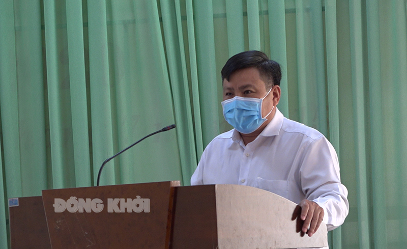 Bí thư Nguyễn Văn Đảm – Trưởng BCĐ phòng chống Covid-19 huyện phát biểu kết luận Hội nghị.