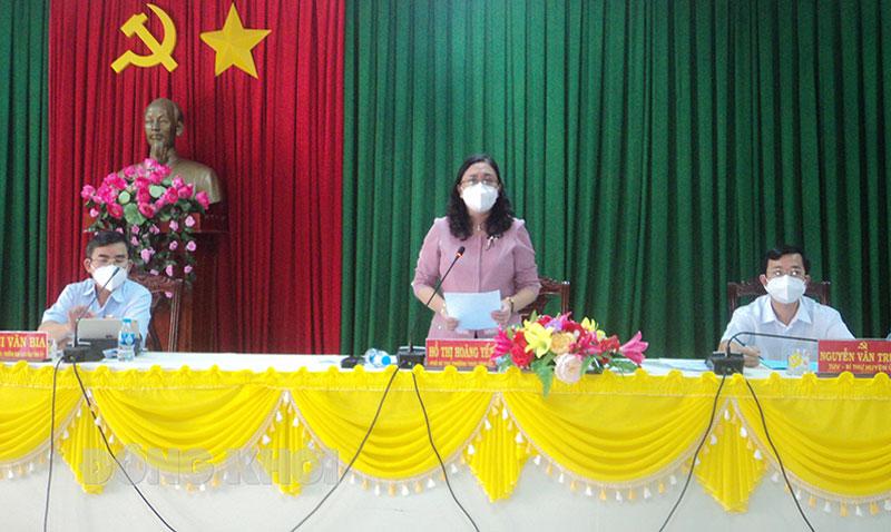 Phó bí thư Thường trực Tỉnh ủy, Chủ tịch HĐND tỉnh Hồ Thị Hoàng Yến - Trưởng đoàn kiểm tra phát biểu kết luận buổi làm việc.