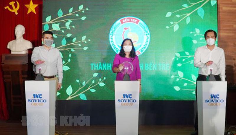 """Khởi động Dự án """"Thành phố xanh Bến Tre"""" trên nền tảng công nghệ qua ứng dụng phần mềm """"Việt Nam Khoẻ Mạnh"""" (Healthy Vietnam – VNKM) nhằm hỗ trợ trong công tác phòng, chống dịch bệnh Covid-19."""