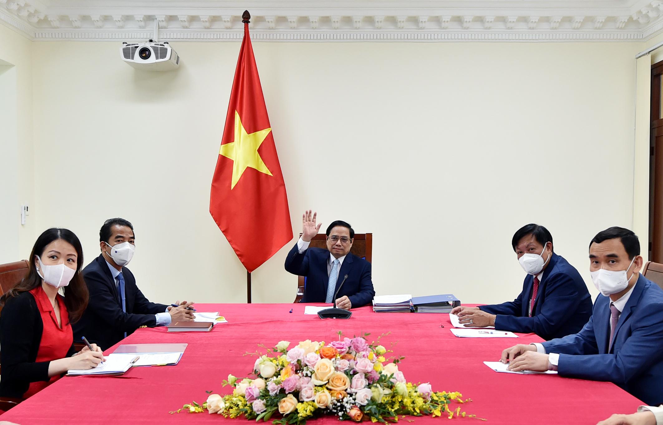 Thủ tướng hoan nghênh và đánh giá cao vai trò của COVAX trong tìm kiếm nguồn cung, điều phối, phân bổ công bằng vaccine phòng COVID-19 trên toàn cầu. Ảnh: VGP/Nhật Bắc