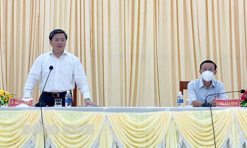 Bí thư Tỉnh ủy Lê Đức Thọ phát biểu tại buổi làm việc với Ban Thường vụ Huyện ủy Thạnh Phú. Ảnh: Cẩm Trúc