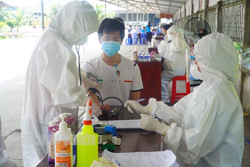 Công nhân được ưu tiên tiêm chủng vắc -xin Covid-19 trong đợt 9 và đợt 10.