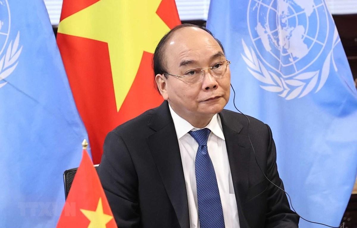 Chủ tịch nước Nguyễn Xuân Phúc dự Hội nghị trực tuyến Thượng đỉnh toàn cầu về COVID-19. Ảnh: Thống Nhất/TTXVN
